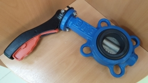 Затвор поворотный дисковый межфланцевый с рукояткой ПА 341.50.16-01